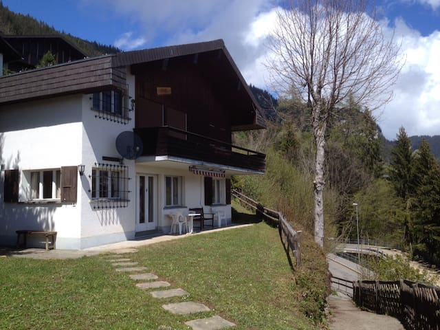 Ground floor apartment with views of the Eiger