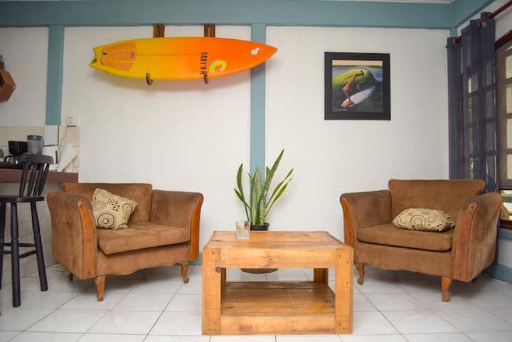 Mellow Spaces-tropical beach home near town center
