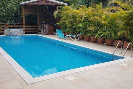 meublé avec piscine