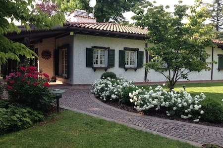 Charming holiday Villa nearby Lake Como - Carimate - Huvila