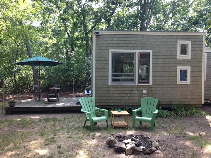 Tiny house with Great Pond access