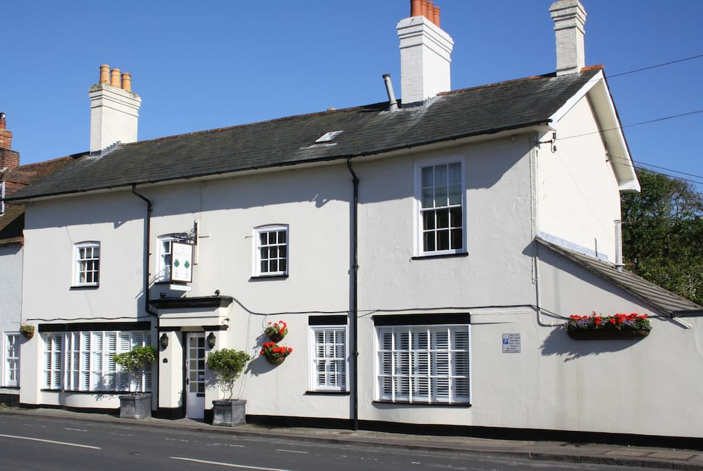 Pubs With Room New Forest