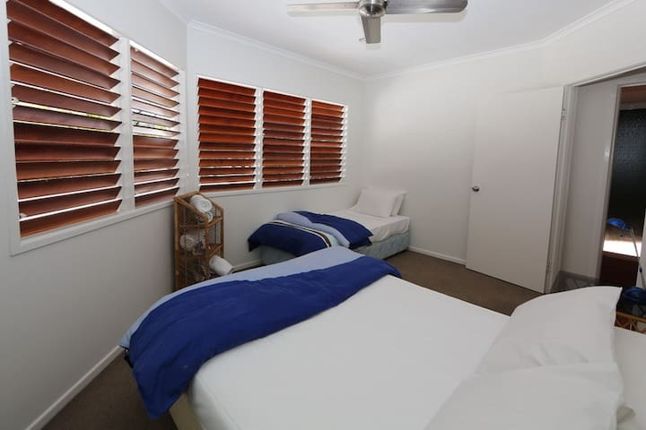 Beaches No 6 - 3rd Bedroom with Double and Single Bed