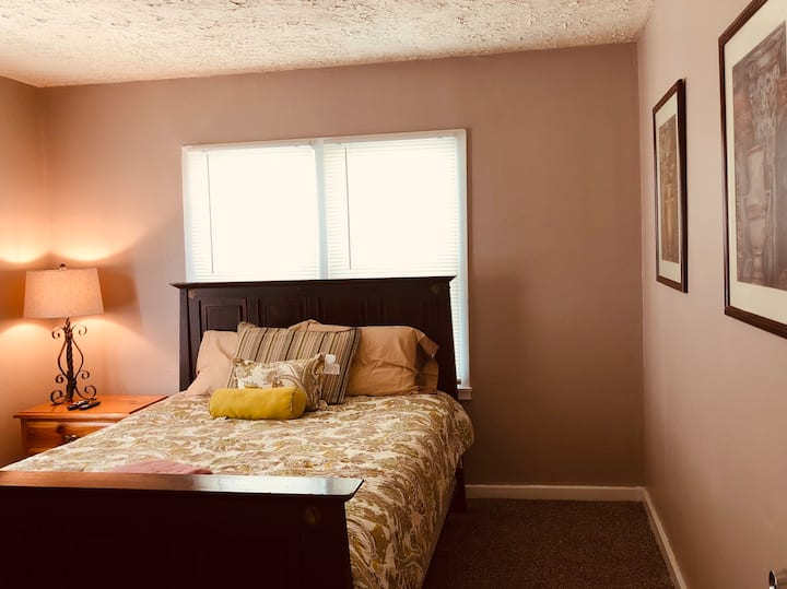 Bella's cozy room in Wichita