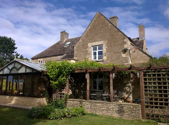 Beautiful Cotswold Farmhouse set in 50 acres