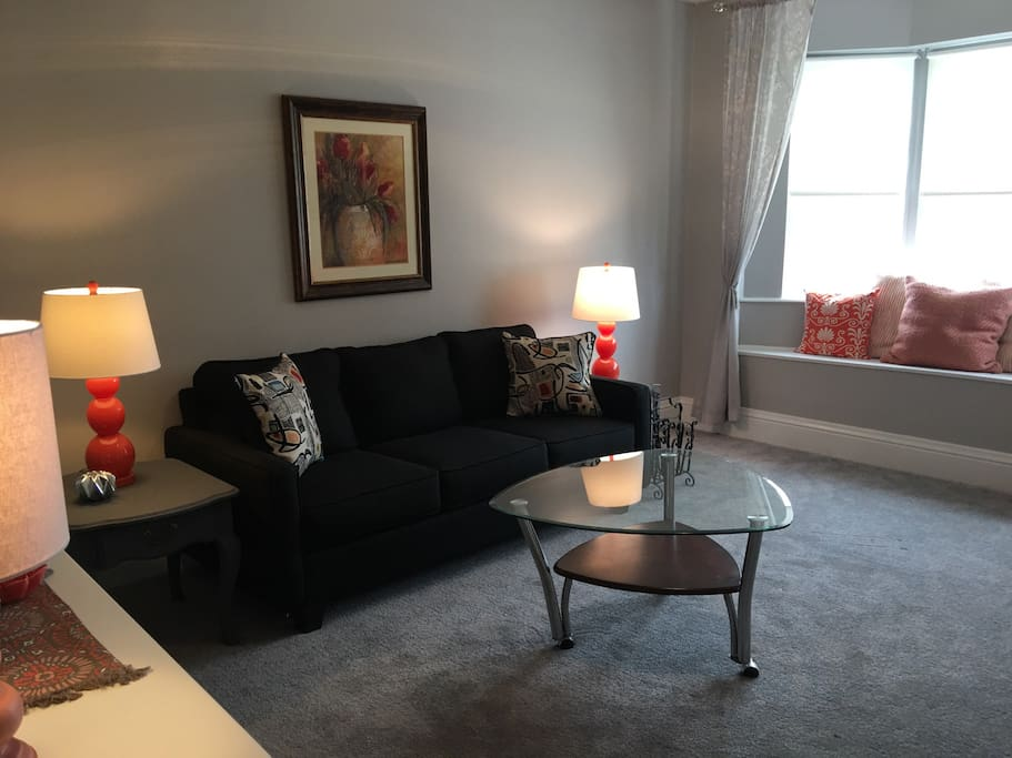 Bright And Cheery City Apartment Apartments For Rent In Pittsburgh Pennsylvania United States
