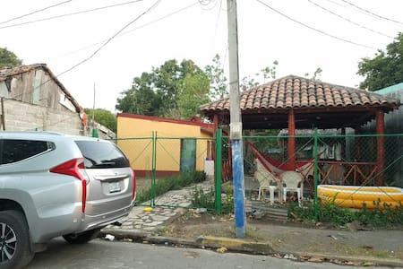 Apartamento y rancho en Corinto, Nicaragua