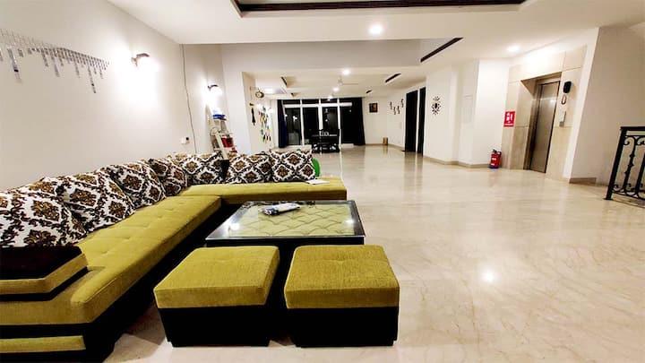 5 BHK Serviced Villa in Gurgaon