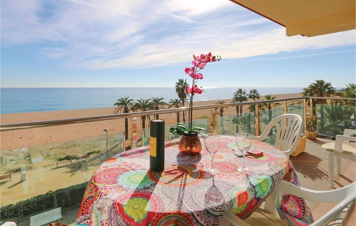 Holiday apartment with 2 bedrooms on 62m² in Santa Susanna