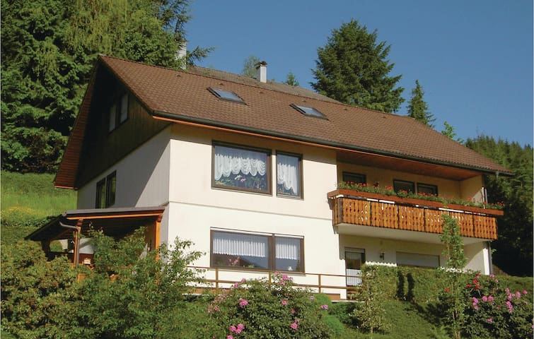 Holiday apartment with 2 bedrooms on 75m² in Bad Peterstal-Griesb.