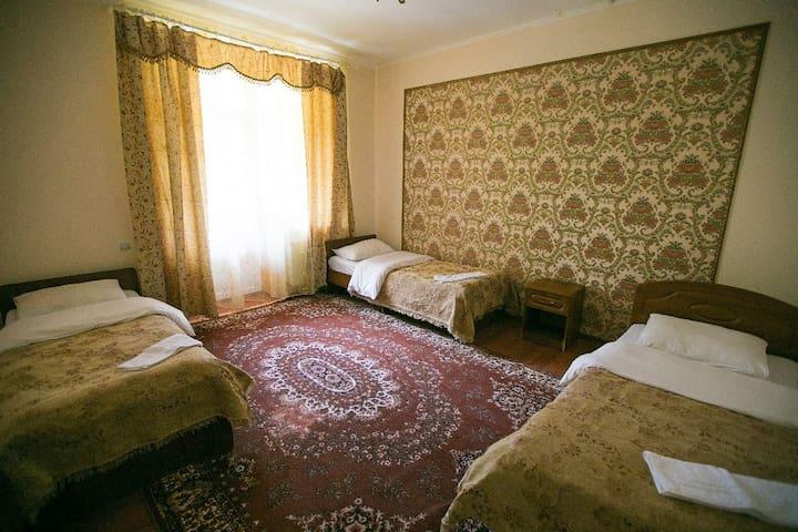 """Уютный четырехместный номер отель """"Белые ночи"""""""