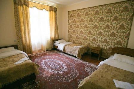 """Уютный четырехместный номер отель """"Белые ночи"""" - Wikt i opierunek"""