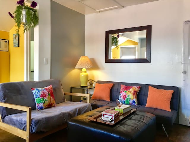 2 BEDROOMS/Studio with Parking/Wifi/Prime Location - Glendale - House