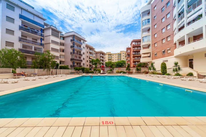 Coliseum apartment with swimming pool and wi-fi
