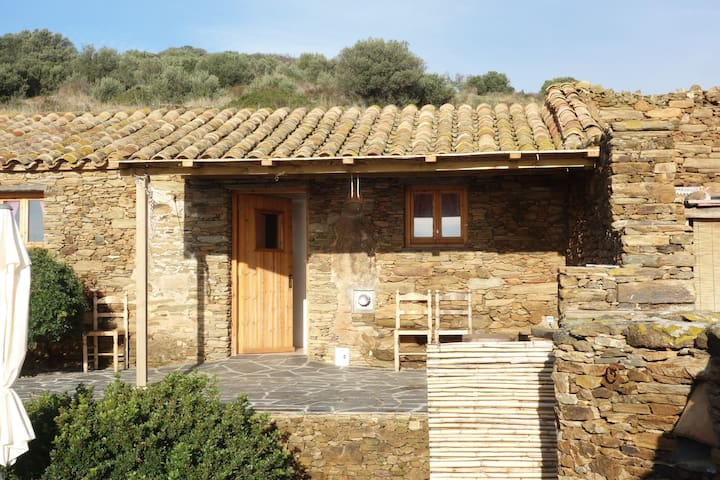 Two bedroom rustic Cottage, Natural Park, Cadaqués - Cadaqués - Dom