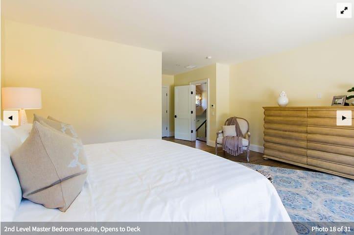 Second floor master bedroom with en suite bathroom