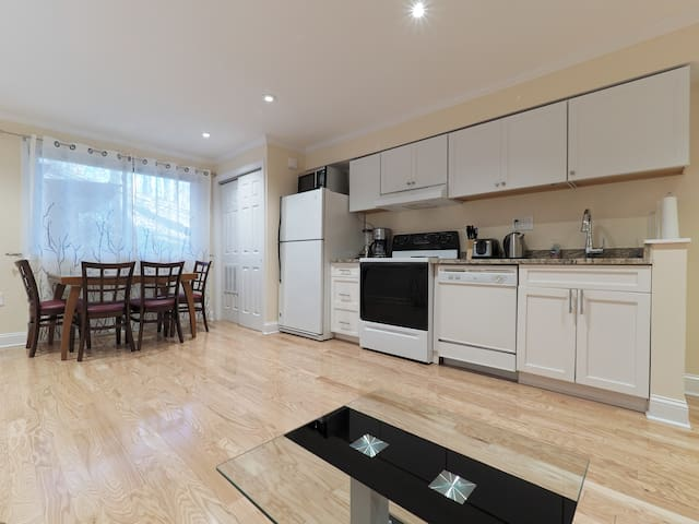 Embassies district 1br free parking