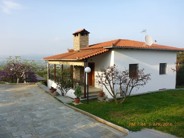 Our house on top of the hill... - Thessaloniki - Hus