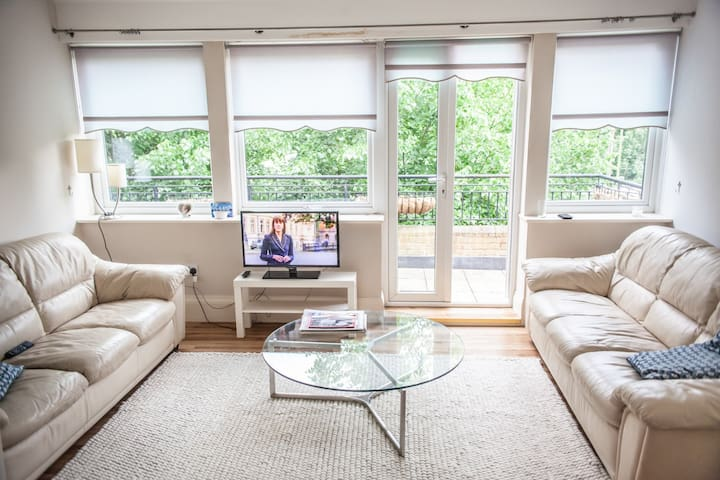 Bright, spacious, 1 Bed Apartment in Chorleywood