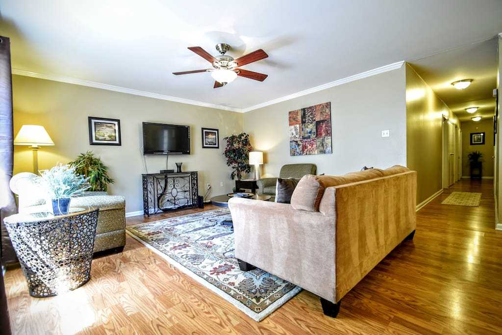 Tranquil 4bd home among the trees townhouses for rent in baton rouge louisiana united states for 2 bedroom houses for rent in baton rouge