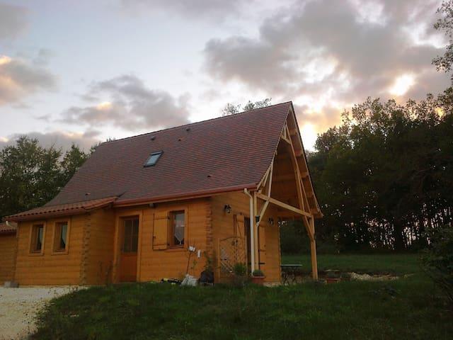 Nyindjé Ling1 calme et découverte du Périgord Noir - Saint-Léon-sur-Vézère - Rumah