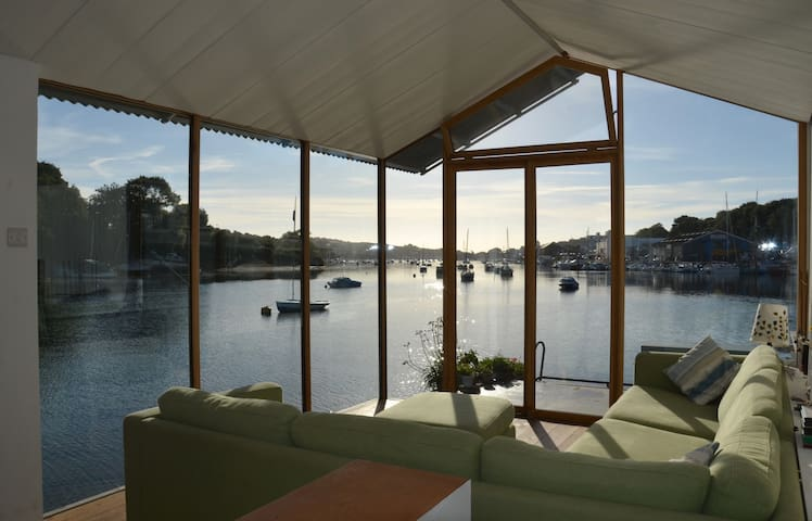 Contemporary converted barge 'Amelie Poulain'
