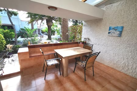 Bright and large studio with a garden and bbq