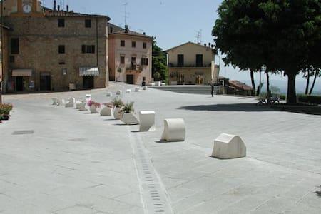 Casa Gina on Francigena near San Gimignano - Gambassi Terme - House