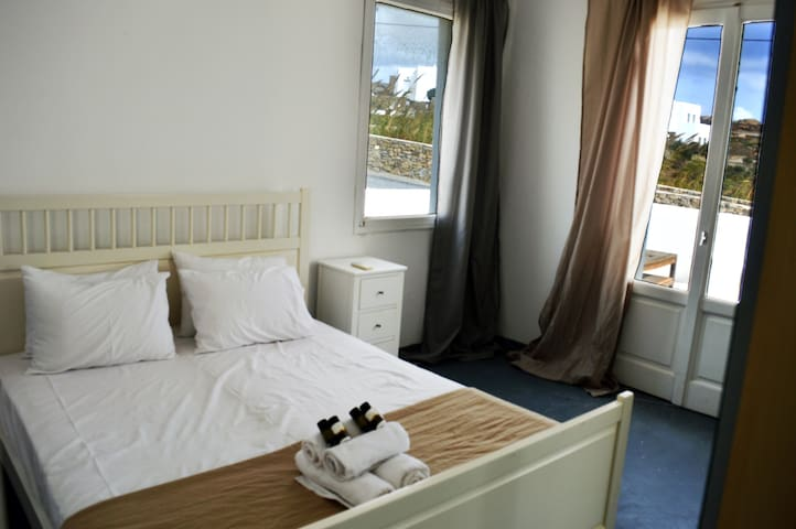Double room with pool at Super Paradise beach - Mykonos - Bed & Breakfast