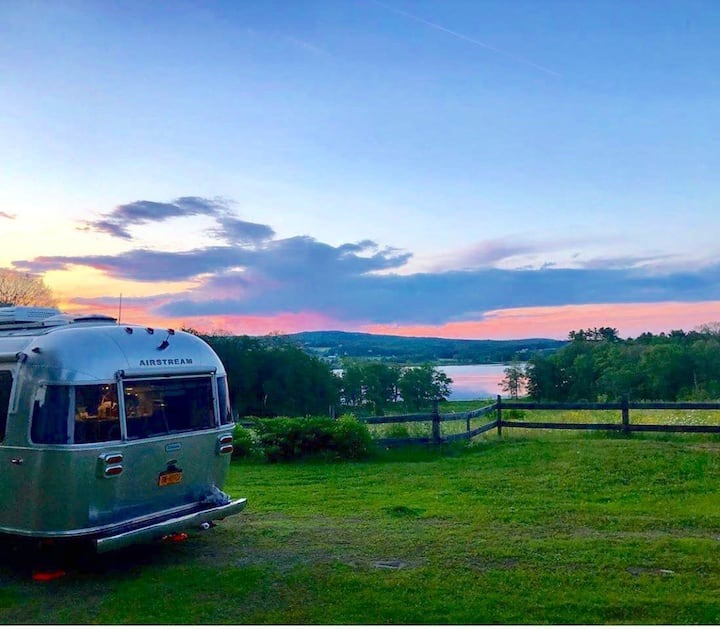 2019 Airstream in gorgeous peaceful setting