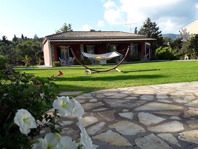 Efi and Sofia studios Dassia, Corfu