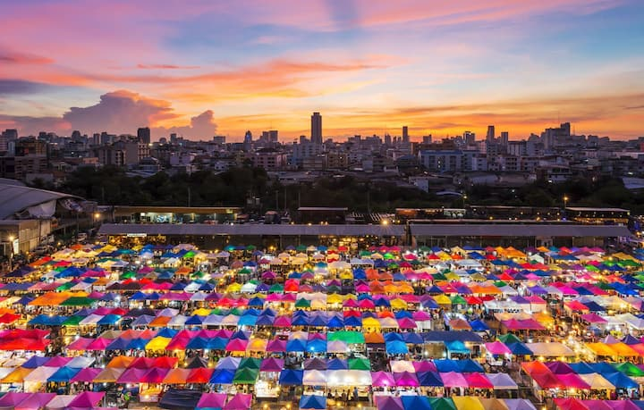 最地道的泰国风情夜市---席娜卡琳火车铁道夜市 附近一卧室套房!带泳池和健身房#ES