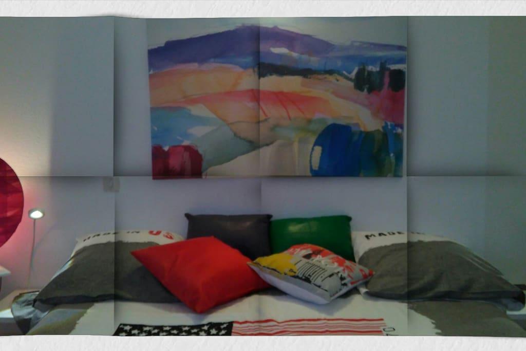 chambre quip e d 39 un lit 160x190 villas for rent in. Black Bedroom Furniture Sets. Home Design Ideas