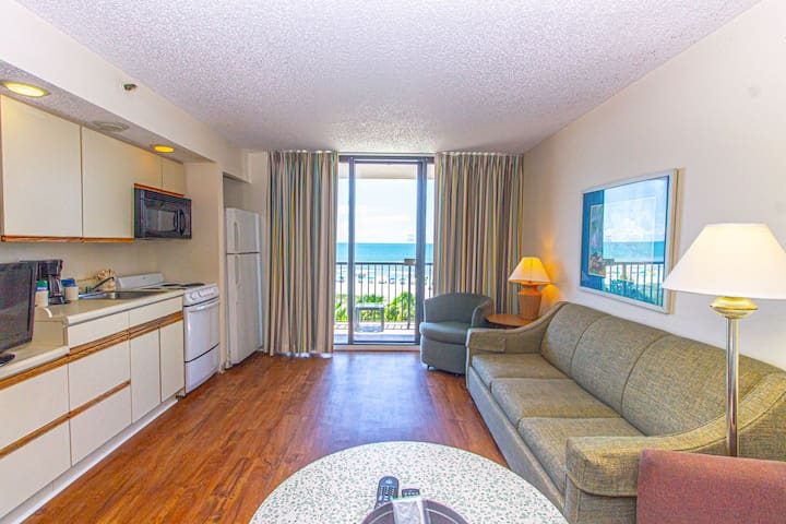 Direct Oceanfront~1 Bedroom 1 Bath~Perfect for 6! Beach Colony 403