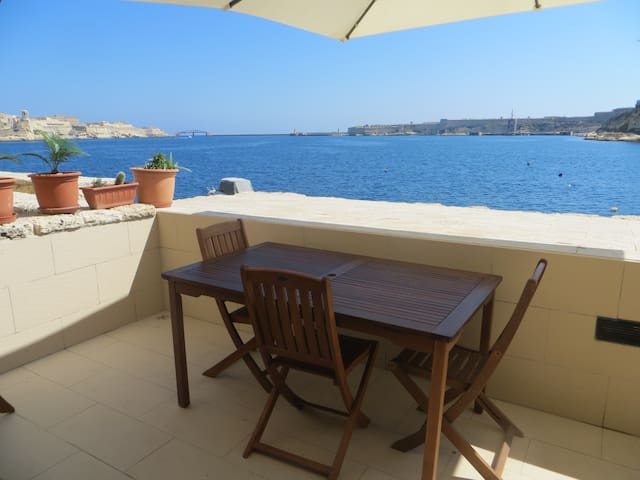 2 Bedroom Apartment, Vittoriosa - Il-Birgu - Apartamento