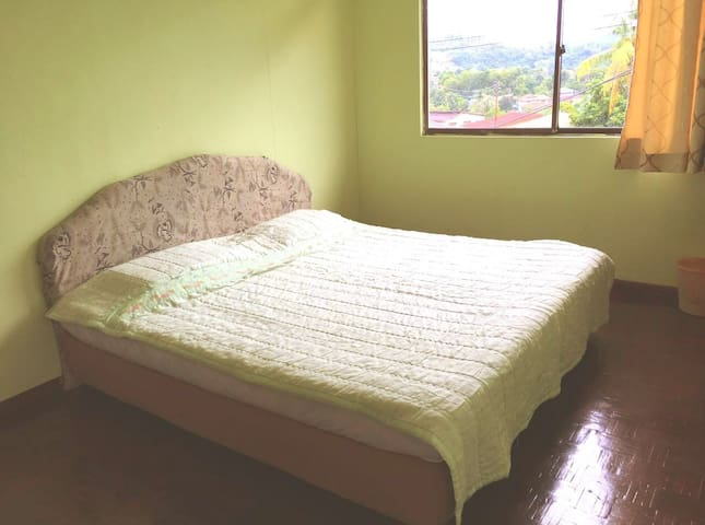 cOmfy double room (street view) - Kota Belud - Bed & Breakfast