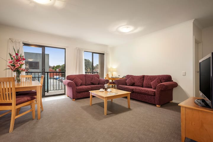 Fully Equipped 2BR Apartment near Box Hill - Mont Albert - Serviced flat