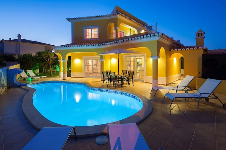 Walking distance of Carvoeiro,perfect for families