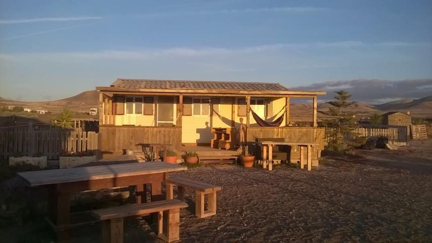 Sonniges Tiny House mit Meerblick