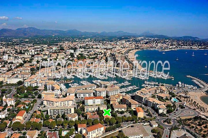 Vos jolies vacances villa 100 m. plage Port-Fréjus