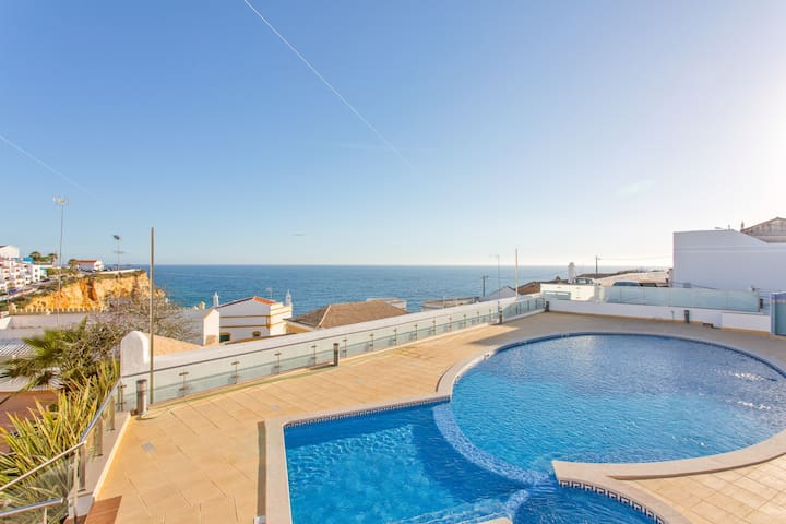 Cliff-top Holiday Escape , Carvoeiro, Algarve