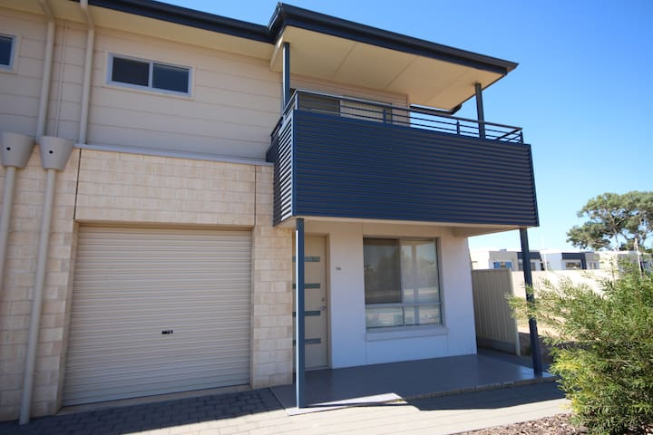 Wallaroo Marina Townhouse Apartment
