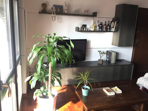Nice single room & private bathroom in Milano