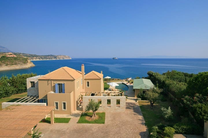 Blue Sea exclusive 5 bedroom villa - Svoronata