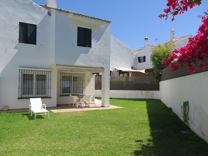 Holiday Home 'Casa Portuense' with Wi-Fi, Garden & Terrace; Parking Available