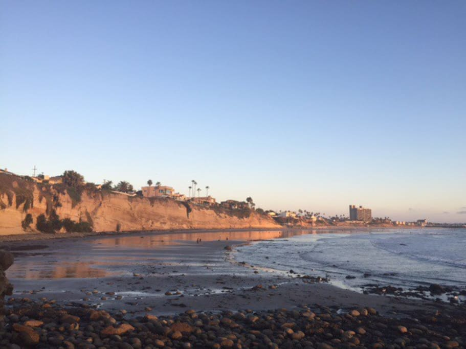 Our coastline has a breathtaking view of the popular surfing beach at Tourmaline and Pacific Beach to the south of La Jolla. We are just a walk or bike ride away from a large variety of restaurants and shops and sandy beaches.
