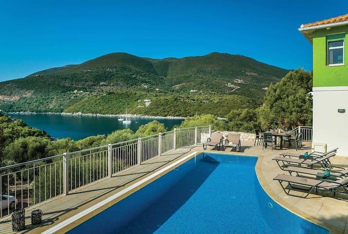 3 bedroom Villa sleeps 6 in Syvota with WiFi