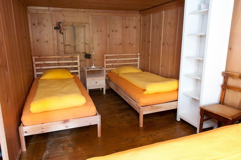 Vierbettzimmer nur durch das Doppelzimmer erreichbar