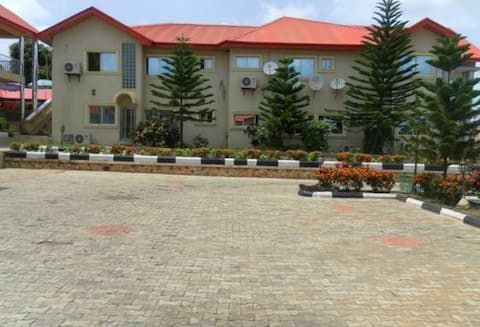 Royal Parklane Hotel Exclusive Secured Luxurious Hotel In Akure