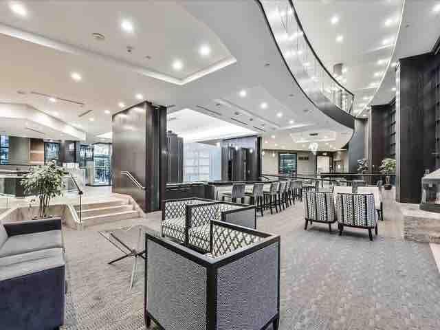 Luxurious 1 bd Condo, parking, close to subway~